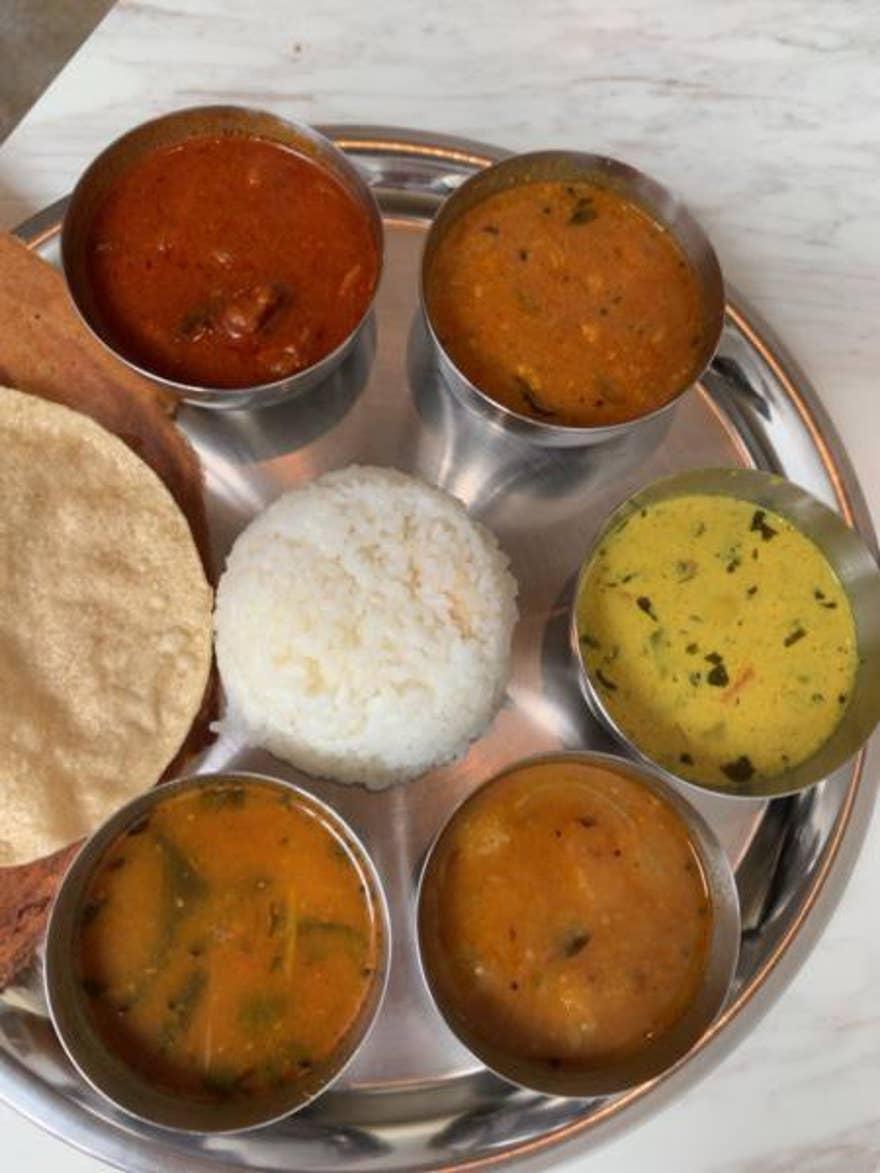 南インドの定食と軽食 三燈舎>